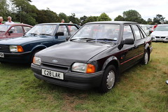 Ford Escort 1.4 L C28LAK (Andrew 2.8i) Tags: festival unexceptional buckinghamshire middle claydon meet show coche voitures voiture autos auto cars car euro european europe hatch hatchback compact mark 4 iv mk mk4 1400l 14l 1400 l 14 escort ford c28lak