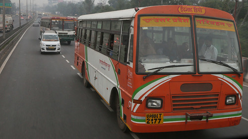 Bus Runs ~ Delhi to Agra (1 of 7)
