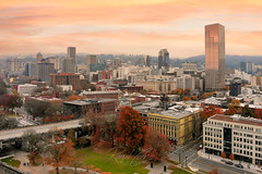 Portlandia (RaulCano82) Tags: portland pnw city cityscape downtown downtownportland oldtownportland oldtown town sunrise morning early fall autumn weather season 2019 red orange foliage raulcano dji mavic mavicair drone aerial photography landscape skyline pdx oregon or portlandia