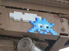Space Invader PA_1431 (tofz4u) Tags: 75007 paris streetart artderue invader spaceinvader spaceinvaders mosaïque mosaic tile pa1431 toureiffel eiffeltower blue bleu