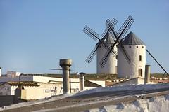 Campo de Criptana (@edu.valero (Instagram)) Tags: viento blue azul blanco countryside windmill roofs chimneywindmill tejados chimenea campodecriptana campo criptana ciudadreal molino houses wind casa white espaã±a