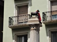 """El Torico"" de Teruel. (EduOrtÍn.) Tags: torico columna plaza teruel aragón"