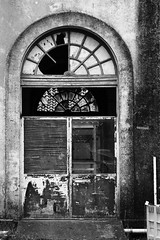([JBR]) Tags: noir blanc blanco negro door porte decay grey gris