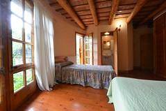 Habitación Grande (brujulea) Tags: brujulea casas alquiler arbucies gerona girona camp den pla habitacion grande