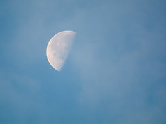 Moon (kahem54) Tags: moon lune ciel bleu jour nuages
