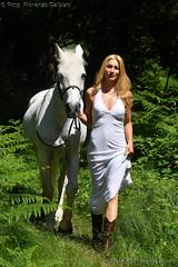 Woman and horse (fiorenzo.galbiati) Tags: modella cavallo horse blonde girl