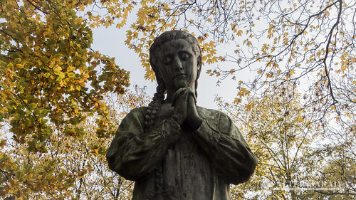 Pere lachaise Vierge