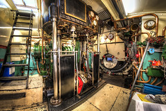 "Steam tugboat ""Noorzee"" engineroom (pe0s, Steven) Tags: tug tugboat boat steamer steampunk steam steamboat den helder willemsoord noordzee sleepboot stoomboot stoomsleepboot steamengine engineroom bridge steamship ship hdr"