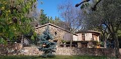 Exterior (brujulea) Tags: brujulea casas alquiler arbucies gerona girona camp den pla exterior