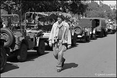 25 août 2019 (gérard lavalette) Tags: véhicules militaires gi soldat reconstitution libérationdeparis bnw jeep convoi gérardlavalette photographe