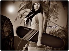 Eu não preciso de mil motivos para sorrir, você já é o suficiente... (DaniellaArcher) Tags: modelo morena nature maloca secondlife fitness esporte radical skate