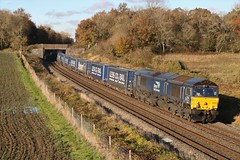 HERE COME THE CLOUDS (Malvern Firebrand) Tags: drs 66303 besford croome perry wood 181119 4v44 1044½ daventry tesco wentloog freightliners worcestershire rural scenic loco locomotive engine diesel scenery countryside containers freight wagons trees 2019 railways train autumn 66xxx class66