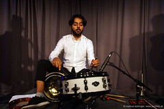 Naghib Shanbehradeh: percussion (jazzfoto.at) Tags: sony sonyalpha sonyalpha77ii sonya77m2 musikbeimwirt fornach gasthauslohninger