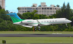 Gulfstream G-V, N50KU arriving at TJSJ. (Angel Moreno Photography) Tags: plane bizjet n50ku airport gv gulfstream