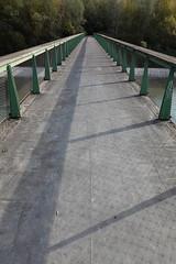 Pedestrian bridge @ Vallon du Fier @ Annecy (*_*) Tags: sony rx100vii m7 2019 november afternoon autumn automne fall annecy 74 hautesavoie walk france europe savoie vallondufier park