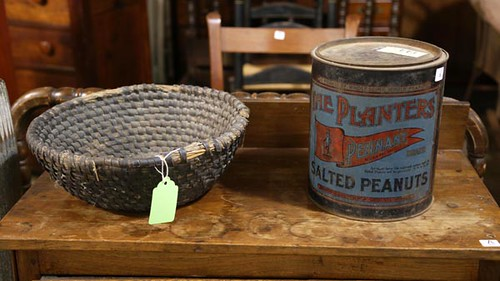 Early Planters Peanut 10 lb. tin - right - ($61.60)