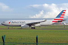 American Airlines Airbus A330-243 N290AY DUB 18-10-19 (Axel J.) Tags: aircraft airbus flughafen americanairlines dub flugplatz a330 dublinairport luftfahrt fluggesellschaft aerfortbhaileáthacliath n290ay airport aviation aeroplane airline 飞机 avion airfield vliegtuig 飛行機 飛機 авиация compagnieaérienne 비행기 luchtvaartmaatschappij aerolínea port avião aeropuerto aviação aviones самолет aviación luchthaven аэропорт lotniczy luchtvaart hàngkhông תְעוּפָה outdoor jet apron runway spotting taxiway planespotting spotter landebahn startbahn samolot vorfeld planespotter linienflugzeug rollweg cargo freight fracht