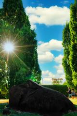 _A7_7470_DxO_DxO (Eric Erac) Tags: chapeau hat magritte ciel sky enfants children noir black soleil sun bleu blu
