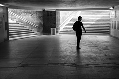 untitled (gregor.zukowski) Tags: poznań poznan street streetphoto streetphotography peopleinthecity candid urban geometry blackandwhite blackandwhitestreetphotography bw monochrome fujifilm stairs