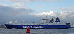 BRITANNIA SEAWAYS dinsdagmorgen naar Vlaardingen (kees torn) Tags: britanniaseaways dfdsseaways dfds ferry hoekvanholland nieuwewaterweg