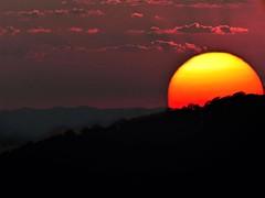 Puesta de Sol (JCMCalle) Tags: landscape paisaje montaña mountain jcmcalle image photohoot fhotografy photofrapher nofilter naturaleza nature naturephotography nofilters majadahonda