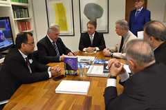 "Reunião no Gabinete do Senado Federal • <a style=""font-size:0.8em;"" href=""http://www.flickr.com/photos/100019041@N05/49092777007/"" target=""_blank"">View on Flickr</a>"