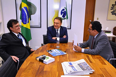 "Reunião no Gabinete • <a style=""font-size:0.8em;"" href=""http://www.flickr.com/photos/100019041@N05/49092779132/"" target=""_blank"">View on Flickr</a>"