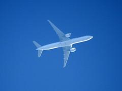 Swiss Airways Boeing 777 (HB-JNA) (sam_khanna18) Tags: nikon coolpix p900 high altitude planes extreme spotting swiss airways boeing 777 hbjna bangkok zurich