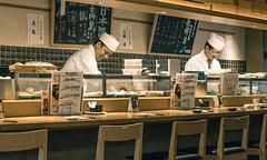 Japan - Tokyo (SergioQ79 - Osanpo Photographer -) Tags: japan tokyo sushi restaurant bar indoor nikon d7200 2019 50mm