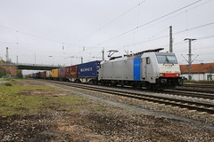 LINEAS 186 452-9 Containerzug, Graben-Neudorf (michaelgoll777) Tags: lineas railpool br186 traxx