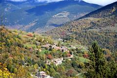 Bosc i poble de Tregurà ,Vilallonga de Ter, Girona. (Angela Llop) Tags: catalonia girona spain europe fall ripolles