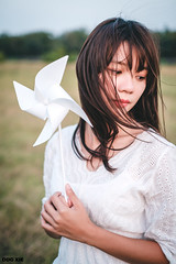 XT30-X-T301723-p-s (DDG XIE) Tags: 人像 portrait 芊聿 小清新 甜美 sweet pretty cute girl lady beauty light 草地 風車 仙氣