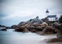 Pontusval (Anne-Françoise LAURANS) Tags: phare bretagne finistère pose longue paysage seascape lighthouse rochers