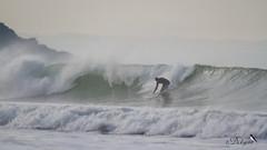 Surf à Saint-Pabu (Dicksy93) Tags: img7870 surf planche sport nautique glisse surfeur personne sportif vague mer manche sea eau water extérieur outdoor gr34 plage de saintpabu la ville berneuf erquy côtes darmor 22 bretagne brittany breizh bzh france europe dicksy93 catherine olivier eos 7d tamron sp 150600mm f563 di vc usd a011