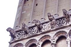 217 France - Bourgogne, Dijon, Place Notre-Dame, église Notre-Dame de Dijon (paspog) Tags: france bourgogne dijon august août 2019 statues sculprtures église kirche chiesa church placenotredame églisenotredamededijon notredamededijon fassade façade facade