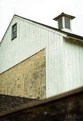 (Jennifer MacNeill) Tags: barn farm stable valleyforge pa fall autumn seasons pennsylvania knox headquarters revolutionarywar bank stone