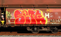 Graffiti on Freights (wojofoto) Tags: amsterdam nederland netherland holland güterzug cargotrain vrachttrein freighttraingraffiti freighttrain freights fr8 graffiti streetart wojofoto wolfgangjosten set setg throwup throw throwups throws