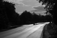 2019 Novembre - Lanester (hubert_lan562) Tags: lanester lorient rue lumber light street contraste ombre ciel noir blanc monochrome morbihan bretagne 56 nuage