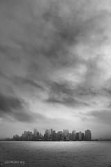 Manhattan sous le brouillard (USA) (christian.rey) Tags: newyork city manhattan mist brouillard sony alpha a7r2 a7rii 24105 usa fog