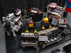 The Chemical Brothers (Stefan Schindler) Tags: lego moc afol chemical brothers robots under influence george mildred stage electronic music synthesizer rom rowlands ed simons