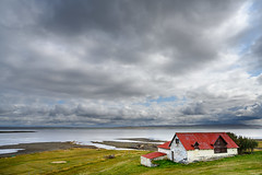 The barn at the beach (Rico the noob) Tags: horizon z7 sheep landscape published water outdoor hills clouds iceland beach travel 2470mmf28s house animal sky animals dof 2019 2470mm nature