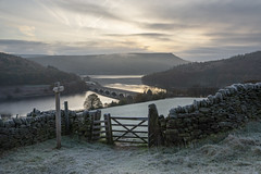 Ladybower on a frosty November morning (Keartona) Tags: ladybower reservoir landscape peakdistrict derbyshire england frost frosty november morning cold dawn gate footpath sign field path view bamford hills