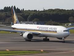 Singapore Airlines                                      Boeing 777                                 9V-SWA (Flame1958) Tags: 4624 singapore singaporeairlines singaporeb777 9vswa nrt naritaairport tokyonarita 241016 1016 2016 boeing b777 777 boeing777