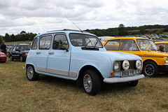 Renault 4 GTL B908YYK (Andrew 2.8i) Tags: festival unexceptional buckinghamshire middle claydon meet show coche voitures voiture autos auto cars car french hatch hatcback economy 4gtl gtl 4 renault b908yyk
