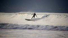 Surf à Saint-Pabu (Dicksy93) Tags: img7887 surf planche sport nautique glisse surfeur personne sportif vague mer manche sea eau water extérieur outdoor gr34 plage de saintpabu la ville berneuf erquy côtes darmor 22 bretagne brittany breizh bzh france europe dicksy93 catherine olivier eos 7d tamron sp 150600mm f563 di vc usd a011
