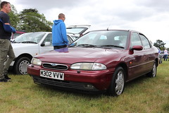 Ford Mondeo V6 Ghia M302VVW (Andrew 2.8i) Tags: festival unexceptional buckinghamshire middle claydon meet show coche voitures voiture autos auto cars car euro european fordofeurope sedan saloon ghia v6 mondeo ford m302vvw