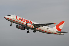 Photo of OE-LOW Airbus A320-233 EGPH 19-11-19