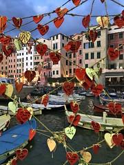 Love.. (Jolivillage) Tags: jolivillage village borgo camogli ligurie liguria italie italy italia europe europa coeurs hearts cuori port porto picturesque boats bateaux nave
