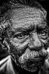 Charpentier de marine (Ma Poupoule) Tags: noirblanc nb noir biancoenero bianconero blackwhite bw inde india porträt portrait ritratti ritratto retrato regard visage face cochin vieilhomme oldman moustache yeux eyes charpentierdemarine