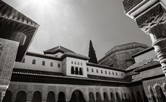 Hot Sun - Blue Sky (Poul-Werner) Tags: alhambra andalusia andalusien blackwhitephotos gislevrejser granada spain architecture bw geometry pattern travel travelbycoachorbus urban granadaprovince
